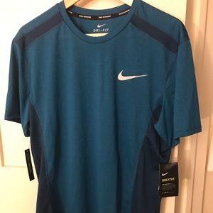 Men's size medium Nike t shirt